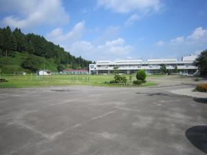 大和町立鶴巣小学校は全校生徒100名あまり。自然に恵まれた環境です。