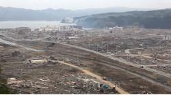 眼下の町の瓦礫もずいぶんと撤去された。